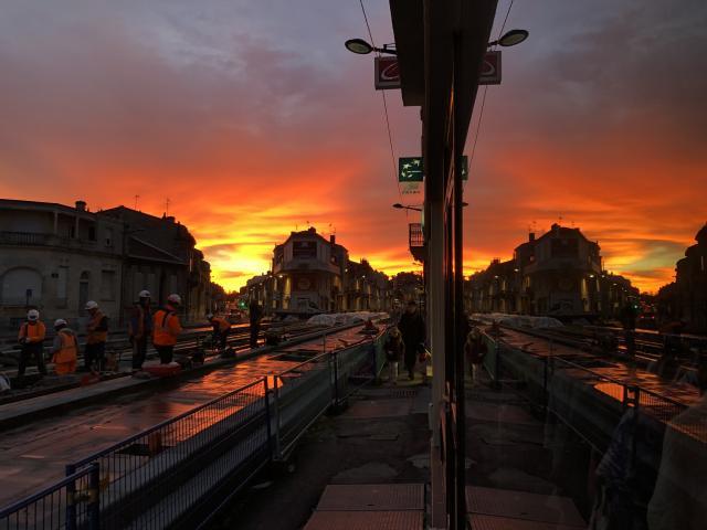 Ciel de feu sur Bordeaux